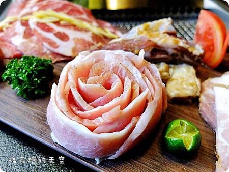 00套餐肉盤松阪豬.JPG