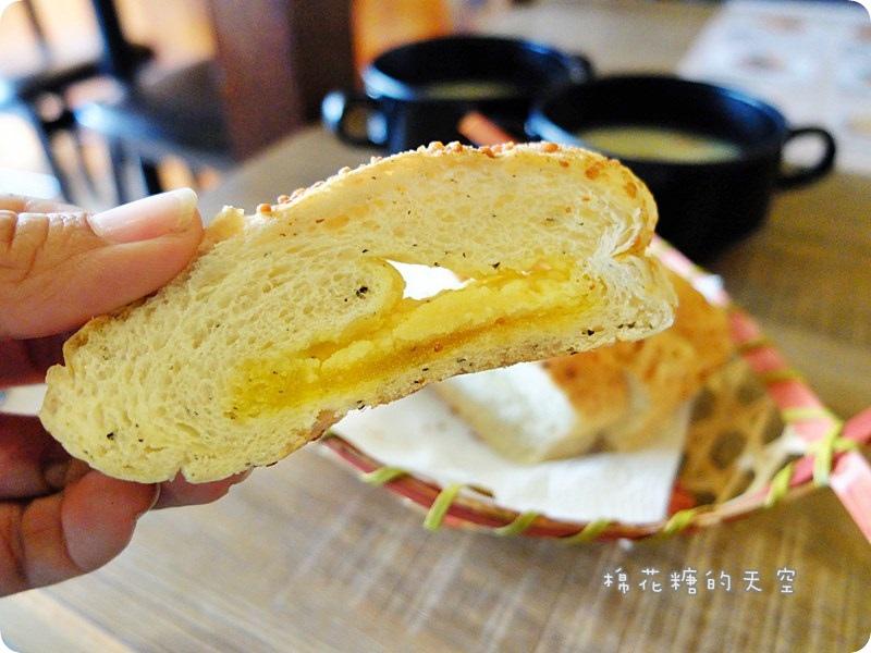 00附餐麵包2.JPG