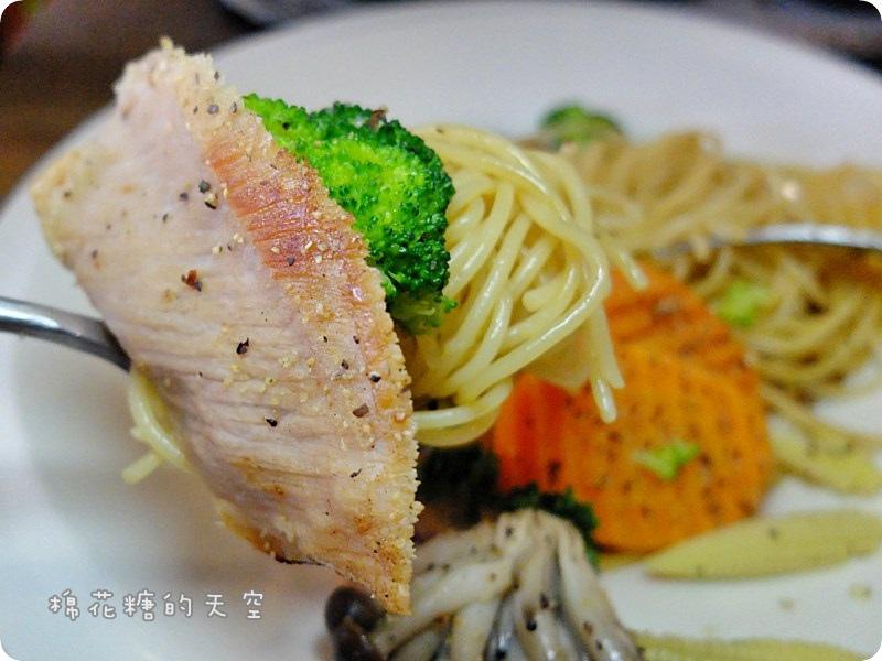 00餐點松阪豬6.JPG