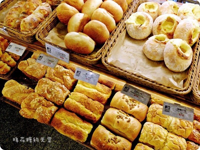 00麵包部.JPG