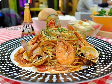 0餐商業海鮮義大利麵3.JPG