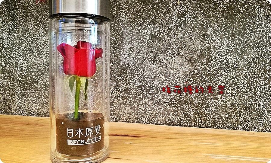 0瓶子玫瑰4.jpg