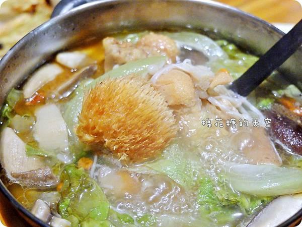 牛奶鍋猴頭菇3.JPG