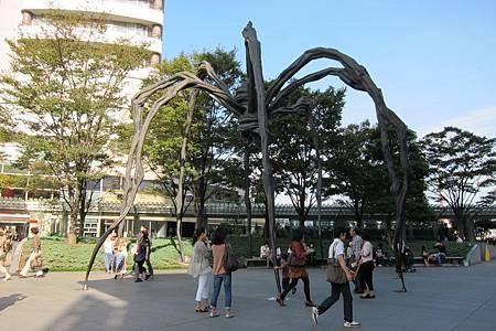 六本木ヒルズ・「巨大クモ・ママン」
