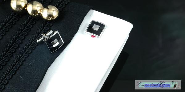 黑色經典烤漆袖扣