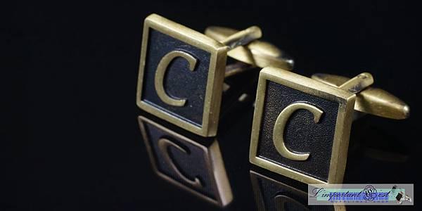 古典銅色字母袖扣