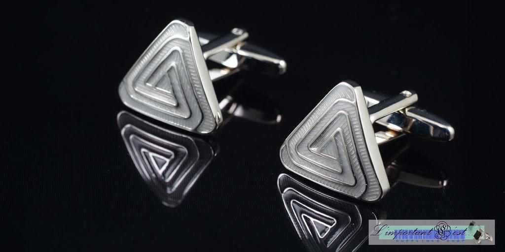 高雅琺瑯三角形袖扣