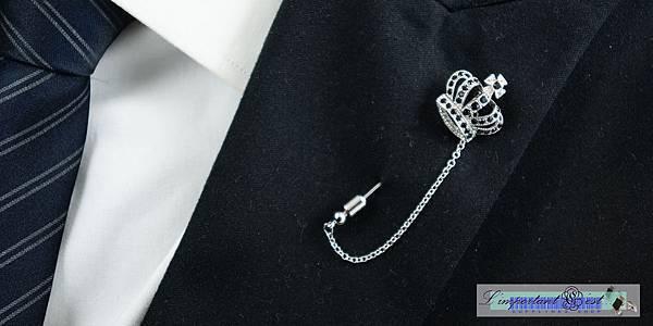 皇冠黑鑽領針