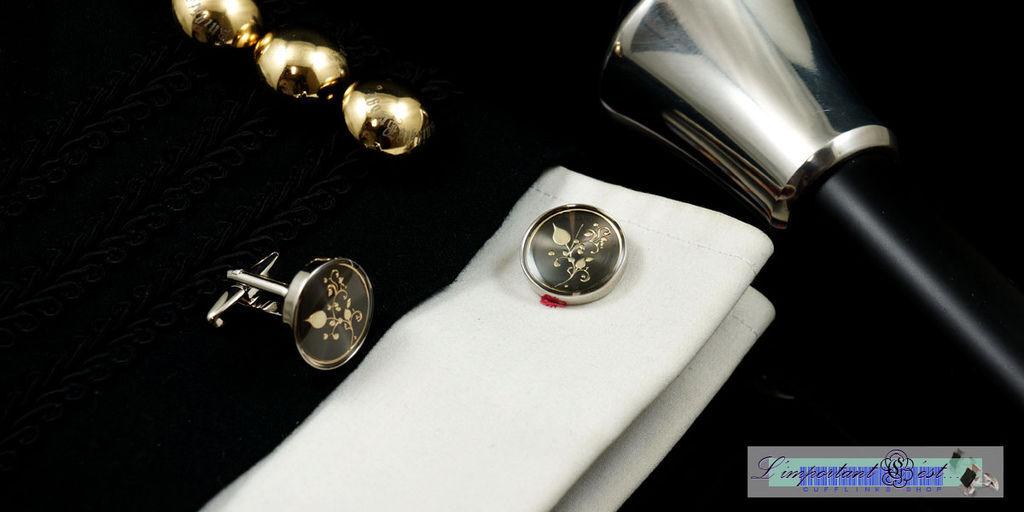 蔓莚金紋黑底袖扣