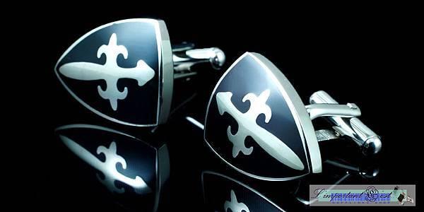 十字徽紋亮黑騎士盾型袖扣