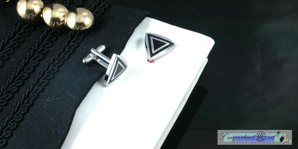 銀黑三角型袖扣