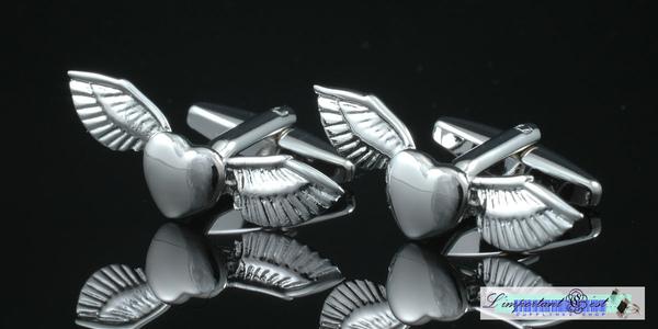 心の翼造型袖扣