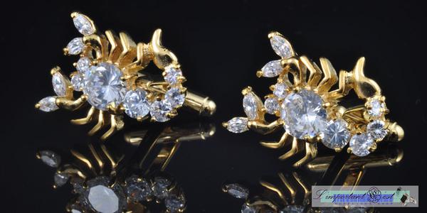 金色蠍子造型水鑽鑲嵌袖扣