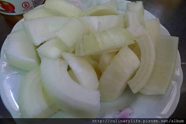 馬鈴薯燉肉-洋蔥