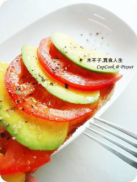 橄欖油酪梨烤土司 DSC09586.JPG