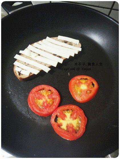 番茄起司烤吐司 3