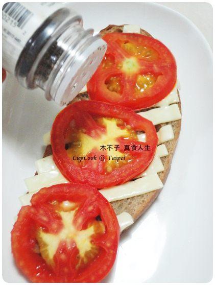 番茄起司烤吐司5