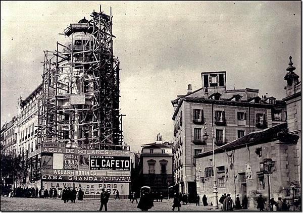 La-Gran-Vía-desde-calle-Alcalá_thumb11
