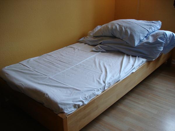 自己鋪的床單
