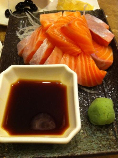 金泰 鮭魚生魚片
