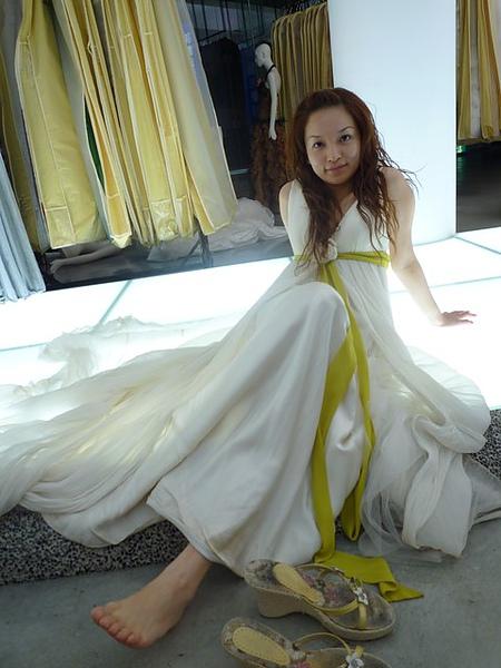 這是第二件白紗拍照服