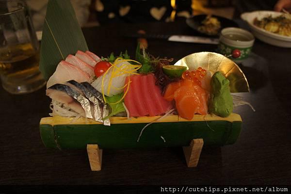 生魚片盛盤