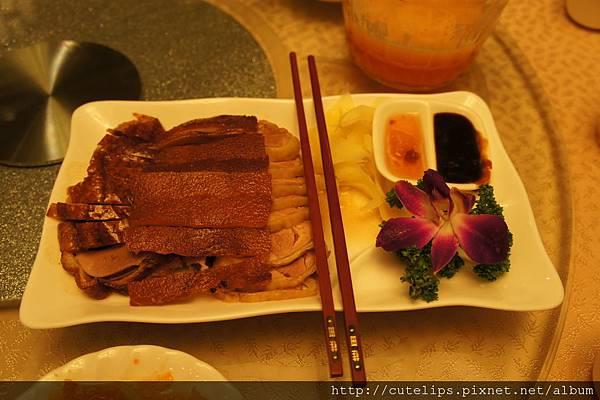 乳豬+烤鴨+醉雞拼盤100/6/6