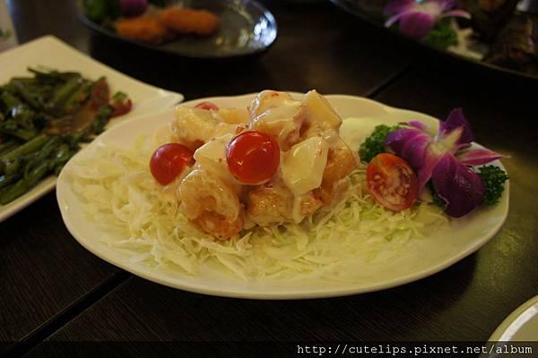 泰式鳳梨蝦球
