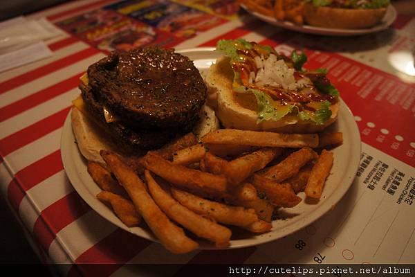 雙層牛肉起士漢堡