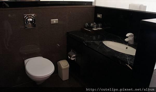 開放式廁所