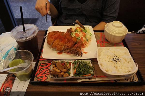 厚切豬排飯(梅子醬)