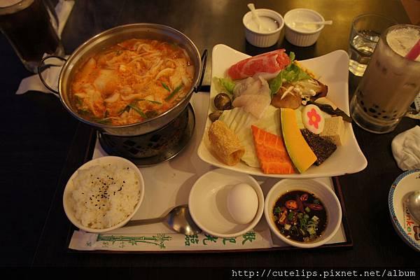 泡菜什錦火鍋