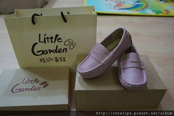粉紫色豆豆鞋