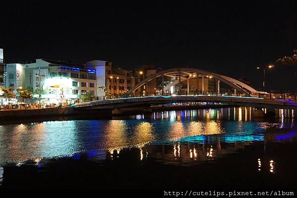 安平望月橋夜景