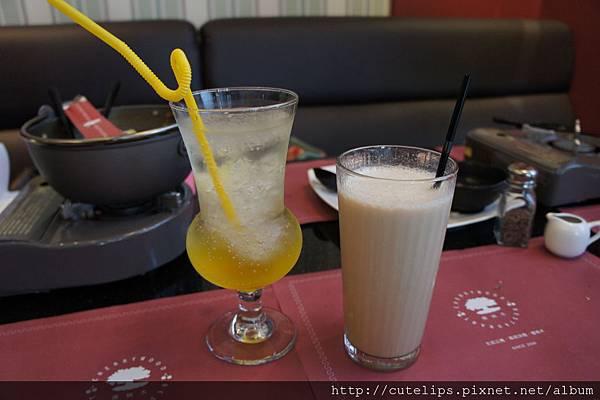 鳳梨氣泡蘇打&英式鮮奶茶