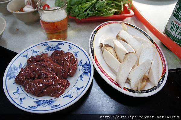 豬肝&杏鮑菇2011/9/11
