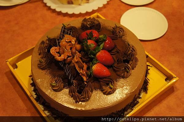下層-巧克力蛋糕