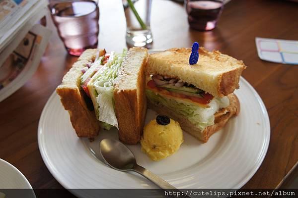 鮪魚丹麥三明治
