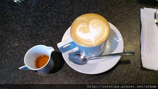 拿鐵咖啡2011/11/26