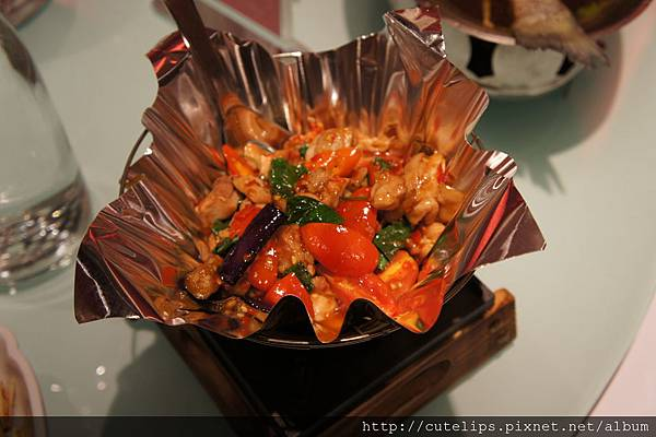 曼谷嫩雞紙鍋2011/12/4