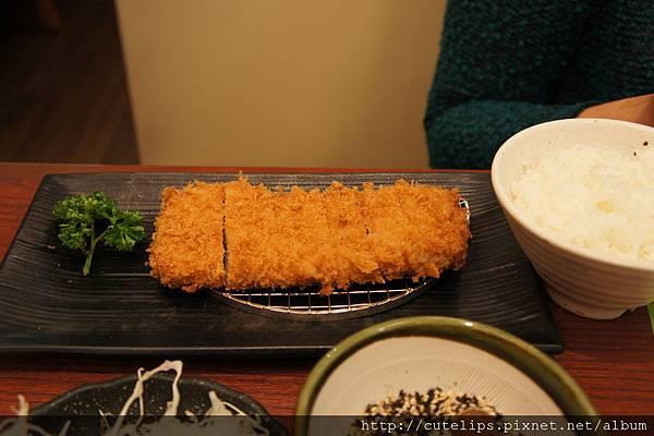 酥嫩腰內豬排套餐(中,100g)