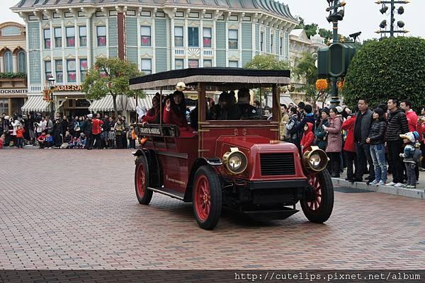 小鎮大街古董車