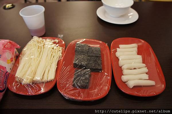 金針菇、米血&年糕