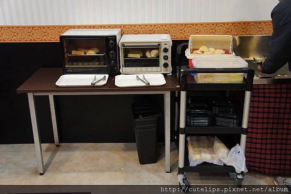 麵包自助式調理區