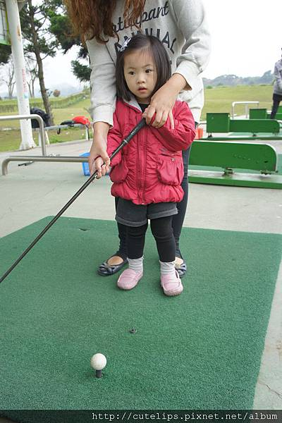 小希也打高爾夫球