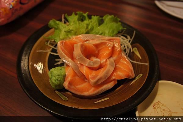 鮭魚生魚片