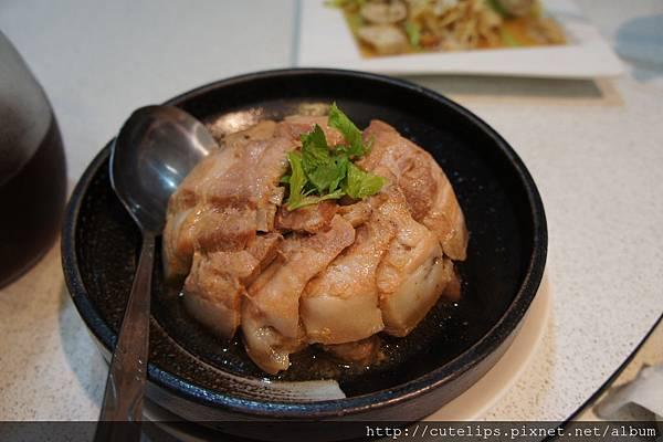 揚朔芋頭蒸扣肉
