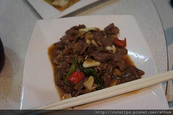 酸高麗菜炒牛肉