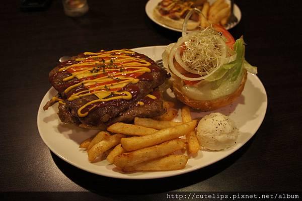 鄉村大漢堡-雙層牛肉起士堡