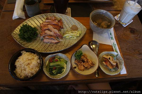鹽燒松阪豬肉飯